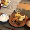 ごはん、鯖の唐揚げ、ポテトサラダとカリフラワー、豚汁