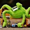 え、みんなお酒飲んでも体痛くならないの?急性アルコール筋症(アルコール性ミオパチー)について