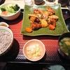 初めての大戸屋。憧れの大戸屋でNO.1メニューの「鶏と野菜の黒酢あん定食」をいただきました。