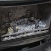 薪ストーブ   〜 この暑い時期に煙突掃除 〜   煤が舞い上がるために扇風機も回せない状態で大汗の作業