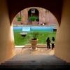 ハレンチな観光名所!インドネシアの水の宮殿「タマンサリ」