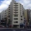 言い訳の東京旅行三日目(5)。朝のうちに廻る『街』のロケ地。「オカヤマビル」、タワーレコード渋谷店、スペイン坂