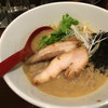 大阪駅前第3ビル地下2階の「みなとや」濃厚鶏こってりらーめんとしめ飯が好きすぎて他のメニューが頼めない