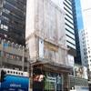 香港の建設現場の足場は竹