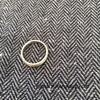 夫の指輪が