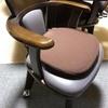 食卓の椅子をキャスター付きにして介護用車椅子仕様に