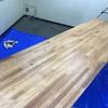 DIYが進んでいます。今回は、机に塗装をしてみました。