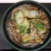 新メニューの肉野菜そばをクーポン券を使って大盛りにする。 (@ ゆで太郎 in 豊島区, 東京都)
