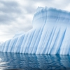 水不足を解決するか-氷山の活用