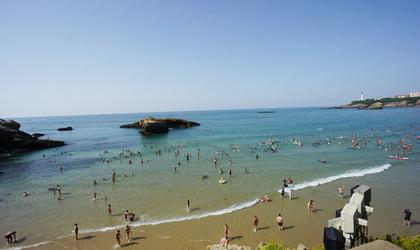 フランスを車で旅行してきました!6,7日目【サーファーで賑わう碧い海!ビアリッツへ】