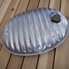 湯たんぽは昔ながらの金属製!電気毛布が苦手な人におすすめ。