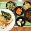 鮭と玉葱と小松菜の味噌蒸し