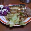 幸運な病のレシピ( 731 )朝 :キャベツ炒め、味噌汁、餃子の餡、塩サバ=>夜羽根つき餃子