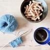 新しくアラン模様のくつ下を編み始めました