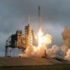 スペースX、かつてのアポロの発射場から補給ロケットを打ち上げた