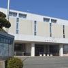 蒲郡市立図書館を訪れる