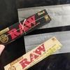 ローリングペーパー比較 | RAW BLACKと、ORGANIC HEMPの違い【ロウ ブラック vs ヘンプ】