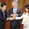 日米韓「北、喫緊の脅威」…防衛相共同声明