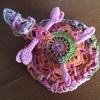 カメレオンのポーチを編みました。キットはやっぱり便利。なわともこさんのデザインです。
