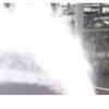 群馬県藤岡市内で断水!マンホールから水が噴き出し作業中