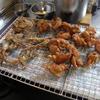 幸運な病のレシピ( 1503 )朝:鶏の唐揚げ、イワシ天ぷら、鮭・ワラサ西京漬け、イワシ、パイン漬け豚バラ肉の照り焼き、味噌汁、後に茶蕎麦
