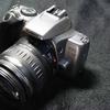 またカメラが一つ死んだ。行こう、ここもじきジャンクに沈む / Canon EOS Kiss Lite