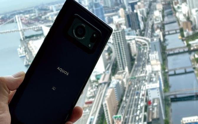 一眼カメラ&高性能ディスプレー 。「AQUOS R6」のイチ推しポイントをスマホアドバイザーに聞いた