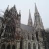 【ウィーン旅行】ヴォティーフ教会の様々なステンドグラスを楽しむ。