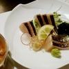 さわらの炙り刺身、桜姫鶏の醤油麹焼きなど(居酒屋)