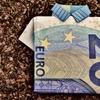 お金に困らない人、お金に困る人、行動とマインドが明暗を分ける