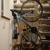 こんな玄関でもロードバイクが置けた;Veloline 縦置き対応スタンド