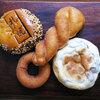 本日のお昼ごはんはアンデルセンの菓子パン♪