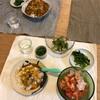 (幼児)カレーライス、(乳幼児)スープライス、(おとな)トマトと豆腐とツナサラダ、つるむらさきの海苔和え、きゅうりの梅おかか和え