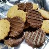 セブンイレブン「小麦の風味と味わいチョコビスケット」は昔から勉強やデスクワークの合間に食べていました( ̄▽ ̄)