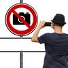 なぜライブやフェスは「撮影禁止」?法的根拠は?