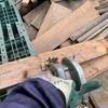 物置の軒下の板などを処分