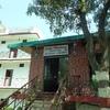 インド・リシケシ、ホテルの敷地内にレストランがあって便利「Raj Resort」