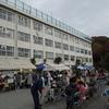 朝市の後は、池上小学校で東北、熊本義援バザー