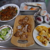 幸運な病のレシピ( 1322 )朝:牛肉きんぴら、鮭・タラ・焼き鳥、卵ウインナー、味噌汁
