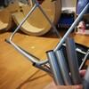 椅子の足をぶった切って3Dプリント義足をつけてやった