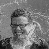 アトピー治療なら水素水が効果的!ミネラルウォーターとの違いは?