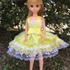 黄色のドレス  ひざ丈バージョン