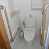 プレハブの多機能仮設トイレ。
