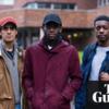 イギリスの大学生の間で差別的言辞が流通、数百人の学生が抗議デモ