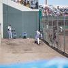 淡路佐野球場のブルペンが目の前で見れておもしろい!阪神秋山投手の投球練習風景
