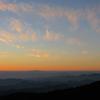 日の出間近の空。