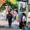 コロナのため、バンコクの公園は閉鎖、それでも朝の散歩。人間は(歩いてなんぼ!)です。