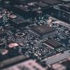 【ETF銘柄解説 -QQQ- 】ハイテク株中心に米国分散投資するETF