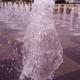 メリケンパークのピヨヨ~ン噴水、夜は昼間の3倍以上の水圧、夏場は子度たち大喜び!