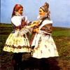 チェコから届いたカードにはとてもとても可愛い女性が写っています